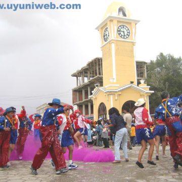 ¡Carnaval de Uyuni!: Hágase tentar con la ilusión de visitar la ciudad salada