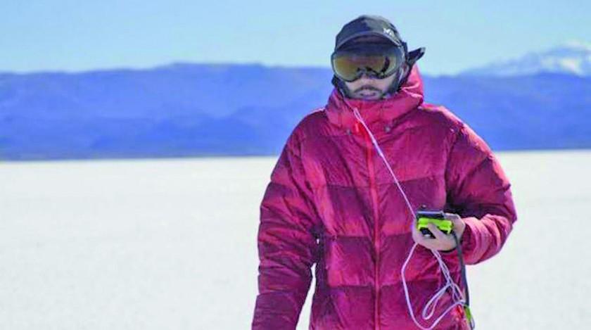 Francés ciego recorre el Salar de Uyuni guiado solo por un audio GPS